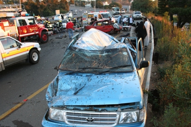 3 cars /13 people involved in another freak M1/Empire rd bridge