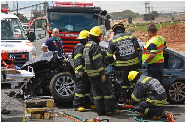 20 car pile-up causes chaos in Johannesburg | Road Safety & Arrive