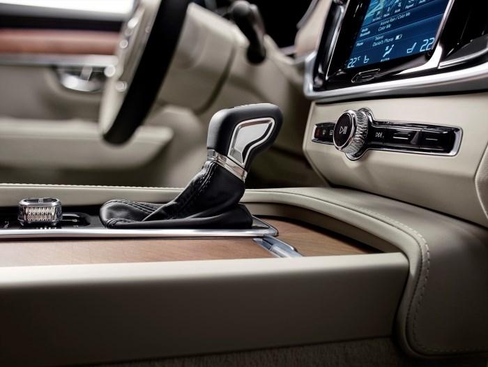 170138_interior_gear_lever_volvo_s90_1800x1800