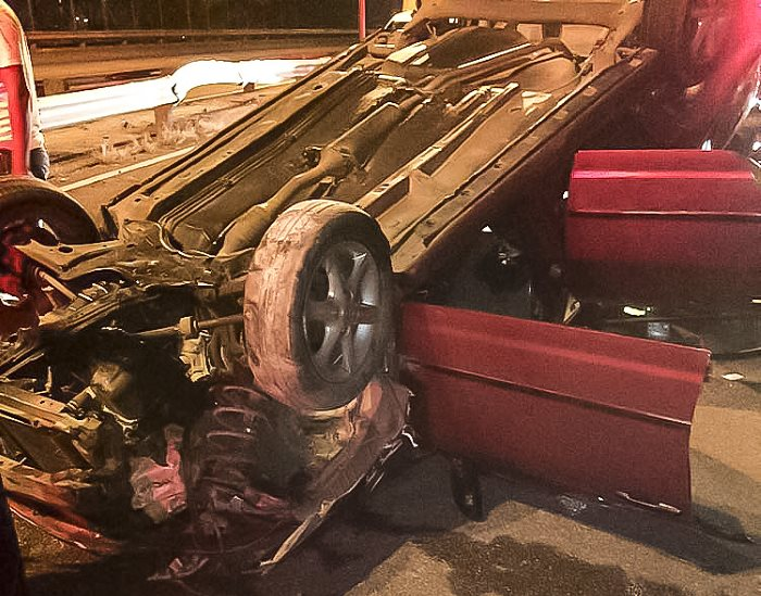 Two injured in M4 North in Jacobs rollover