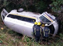 Two people injured after taxi rolls down embankment in Pietermaritzburg