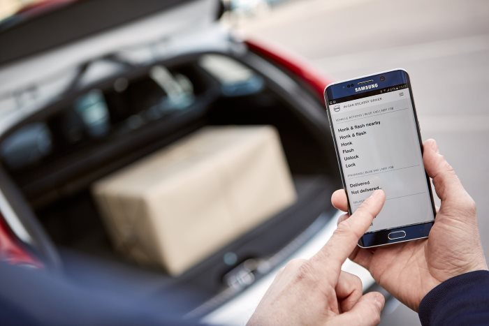 Volvo Cars partners with Swedish start-up 'urb-it' to pioneer two-hour in-car delivery service (1)