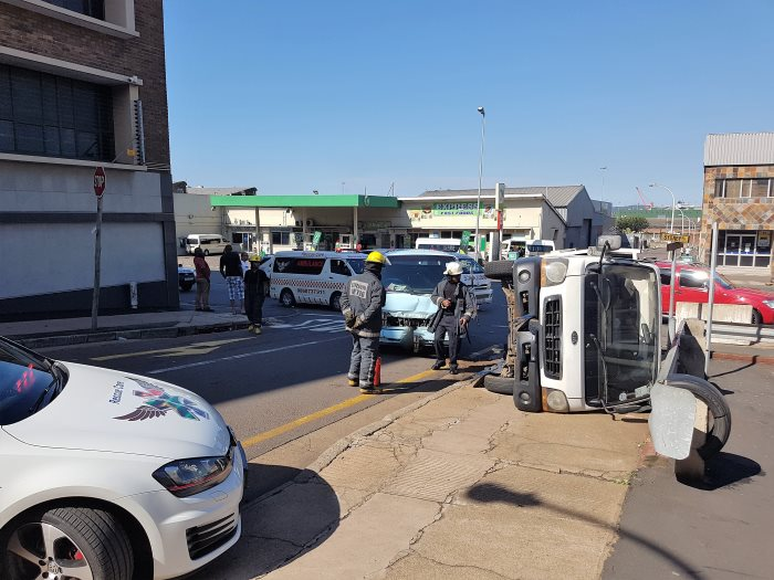 11-Injured-in-Umbilo-taxi-crash
