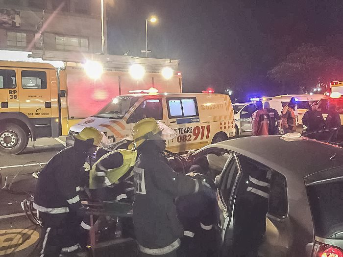 Four-people-have-been-injured-in-Durban-CBD-crash-1