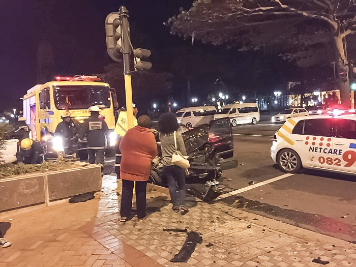 Four-people-have-been-injured-in-Durban-CBD-crash-2