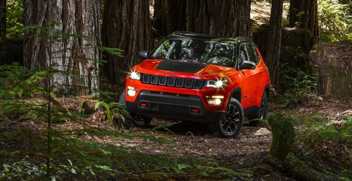 160927_jeep_compass_03_slider_1800x1800